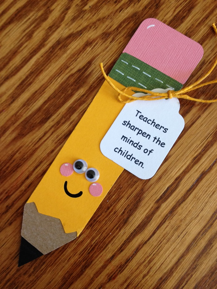 Magnet card with the pencil shape