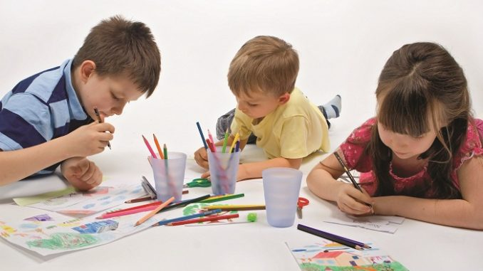 encourage creativity in a child
